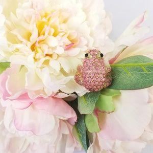Jeweled stone frog statement women's ring